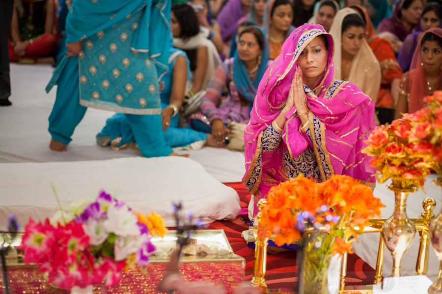 Sikh_wedding_mother_of_the_bride_london_photographer