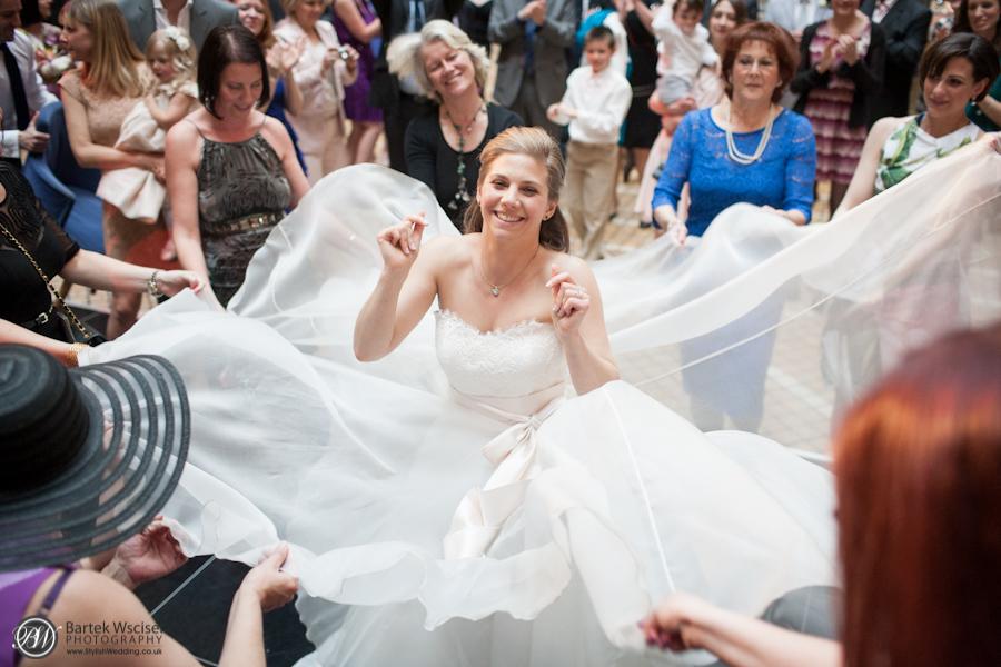 Kathryn_jewish_wedding_london_bank_the_royal_exchange_8