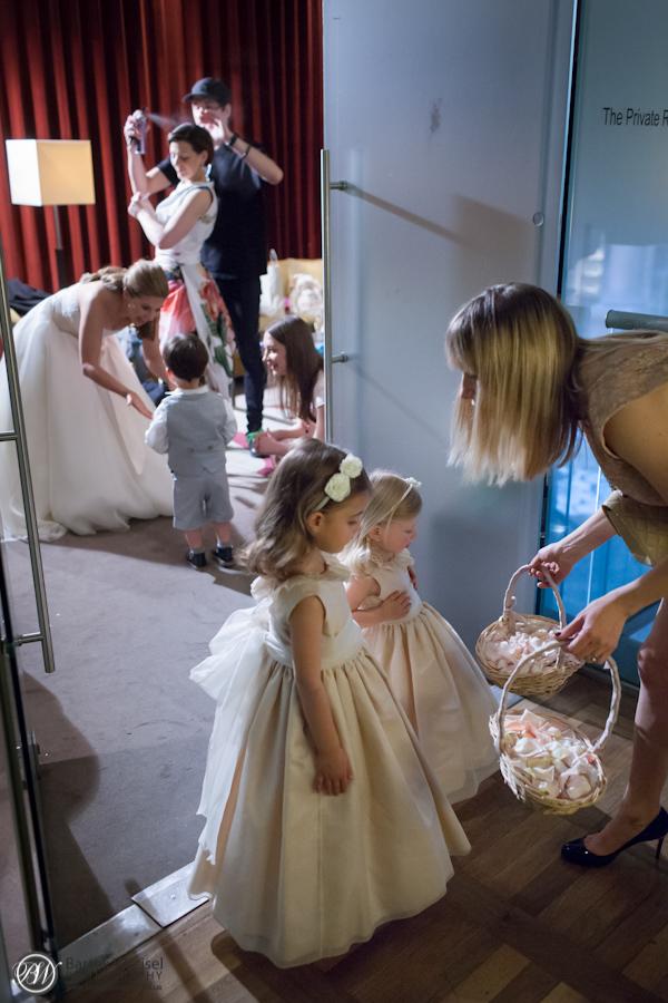 Kathryn_jewish_wedding_london_bank_the_royal_exchange_10